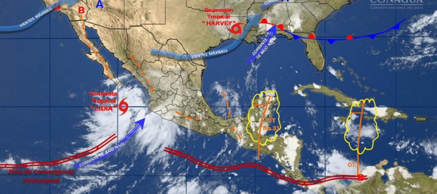 Familias son evacuadas de zonas en riesgo en Baja California Sur