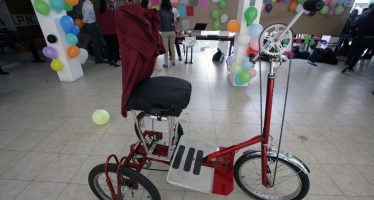 Desarrollan triciclo motorizado para personas parapléjicas