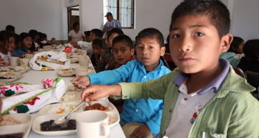 Comedores comunitarios de Sedesol benefician a 500 mil personas