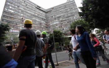 Desalojan edificio en calle Morelia, en la Roma, por riesgo de derrumbe