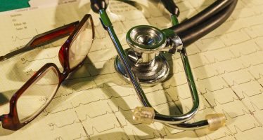 Médicos cubanos asisten a damnificados de Juchitán, Oaxaca