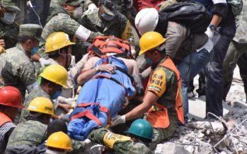 Rescatan a sobreviviente en edificio de la Condesa