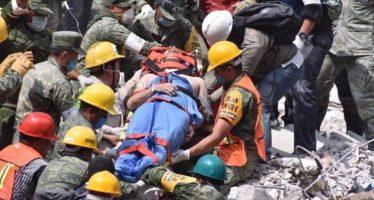 Se suma brigada canadiense a labores de rescate en CDMX