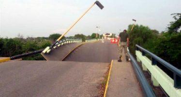 Anuncia Peña reconstrucción de puente de Ixcaltepec, Oaxaca