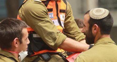Despiden en el AICM a los rescatistas de Israel