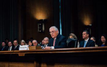 ¿Remplazar a secretario Rex Tillerson con director de la CIA?