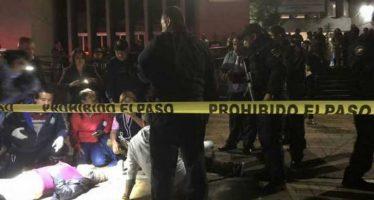 Balacera afuera de la delegación Cuauhtémoc; hay una mujer muerta