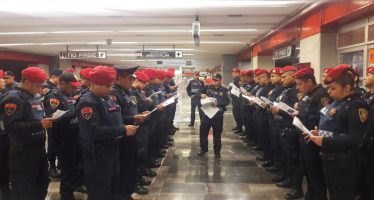 Instruyen a policías para evitar suicidios en el Metro
