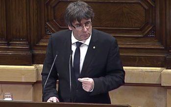 Puigdemont propone suspender independencia para abrir diálogo