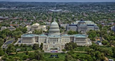 """Senado da más presupuesto a Defensa; nada, para """"soñadores"""""""