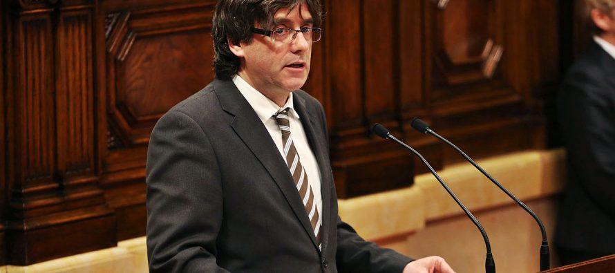 Puigdemont se presenta en Comisaría de Bruselas