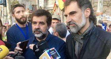 Lideres independentistas catalanes a prisión por orden de juez