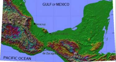 Muxes alimentan a pueblo oaxaqueño afectado por los sismos
