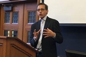 Richard Salgado. Foto de la Universidad de Yale