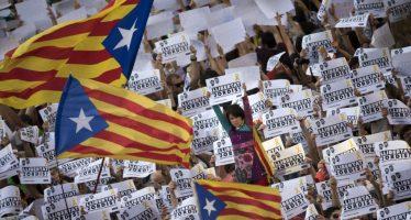 Secesionistas catalanes se preparan ante medidas de Madrid