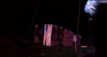 Vuelca autobús con peregrinos en Atotonilco; mueren 15
