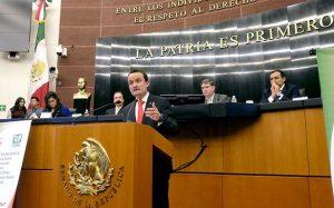 Arriola habla ante senadores. Foto: IMSS