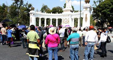 Manifestantes complican tránsito vehicular en el Centro Histórico