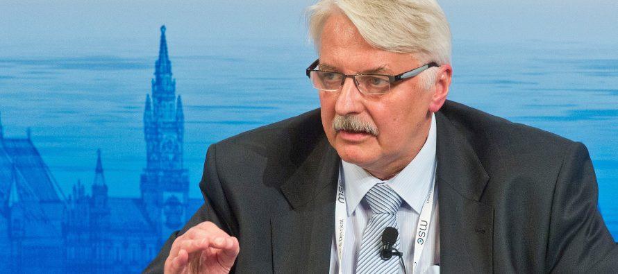 """Canciller de Polonia amenaza con """"serios problemas"""" a Ucrania"""