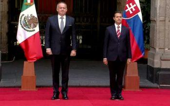 Peña Nieto dialoga con presidente de la República Eslovaca
