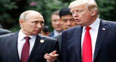 Trump dice creerle a Putin sobre presunta intromisión rusa