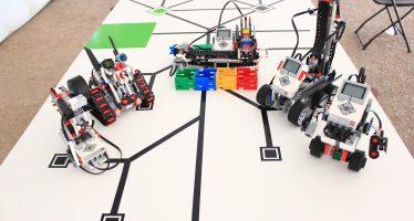 Construyen en el IPN robots con piezas de plástico