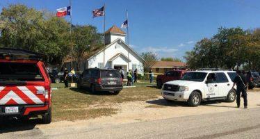 Tiroteo en templo de Texas deja al menos 27 muertos