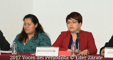 Barro Rojo Arte Escénico presentó el libroTravesía. Nadie es ilegal, un homenaje a los migrantes
