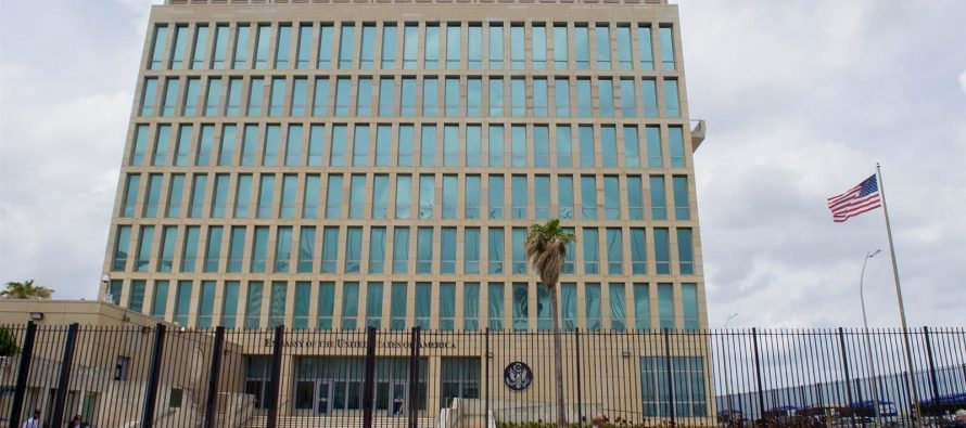 Nuevas víctimas de ataque misterioso a embajada de EU. en Cuba