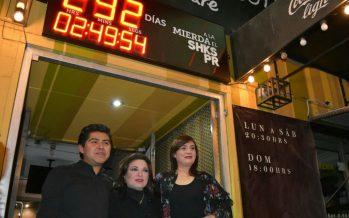 Se realizó la develación del reloj en el Foro Shakespeare que hará la cuenta regresiva para su cierre