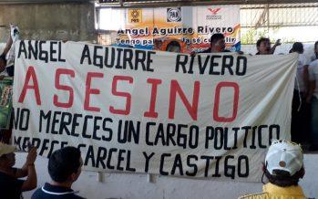Gritan asesino a Ángel Aguirre en acto de campaña