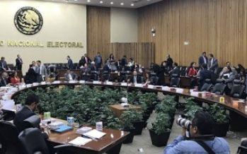 INE aprueba coaliciones encabezadas por el PAN y Morena