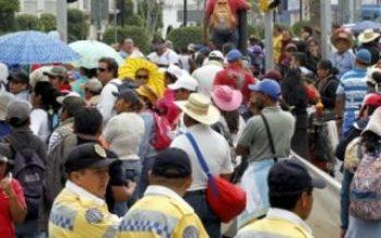 Manifestantes provocan caos vial en Reforma