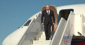 Putin llega a la base aérea rusa en Siria. (Sputnik-Ruptly)