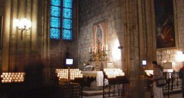 Rinden homenaje a Virgen de Guadalupe en Notre-Dame