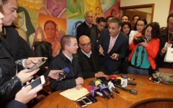 Dante Delgado impide que prensa cuestione a Ricardo Anaya