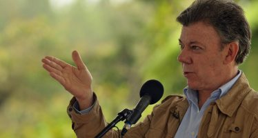 Manuel Santos suspende reanudación de diálogos con el ELN