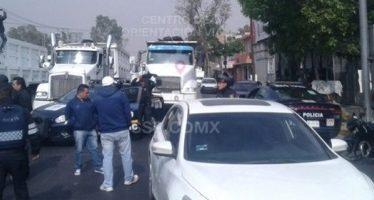 Manifestantes cierran circulación vehicular en zona de Vallejo