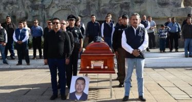 Acribillan a tres mandos policíacos, en el estado de Guanajuato