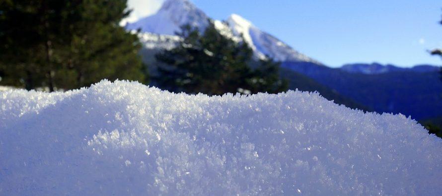 Meteorológico alerta por caída de nieve en el norte del país