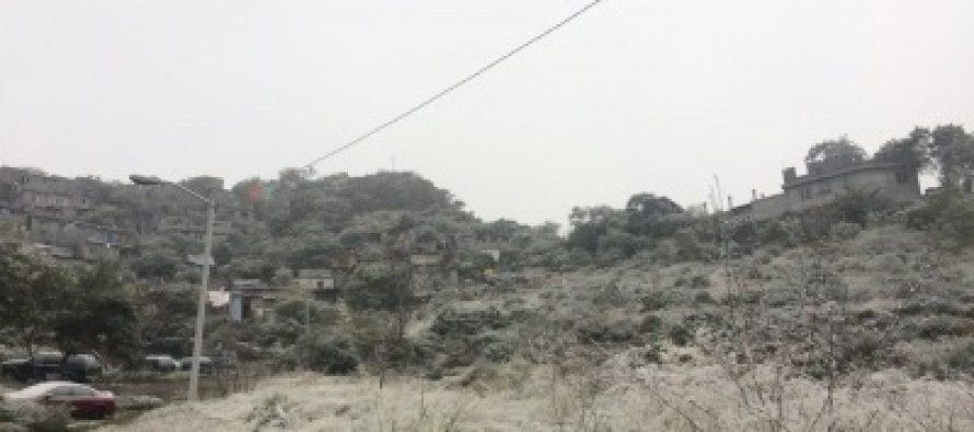 Nuevo León registra frío extremo y caída de aguanieve