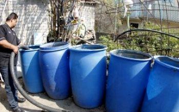Suministran agua en colonias afectadas por Sistema Cutzamala