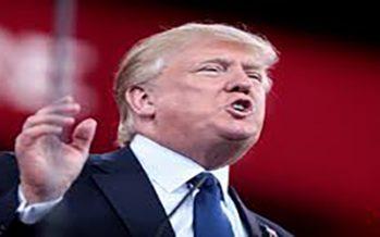 Trump niega comentarios racistas y acusa a los demócratas