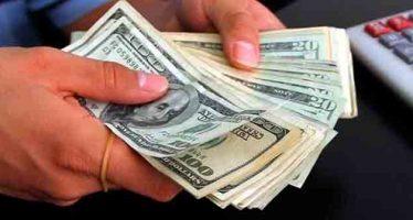 Venden dólar a 18.72 pesos en casas de cambio del aeropuerto capitalino