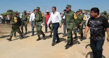 Recorren zonas afectadas de Oaxaca por sismo