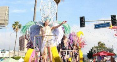 Participan 56 contingentes en desfile del Carnaval de Ensenada