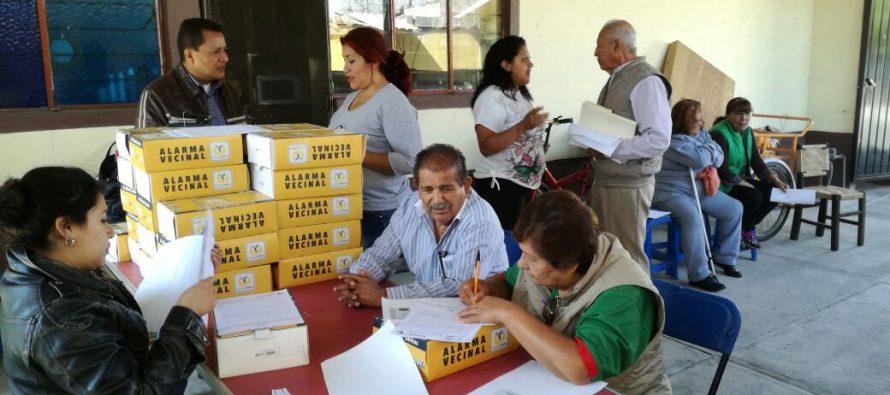 Delegación Xochimilco continúa con entrega de alarmas vecinales