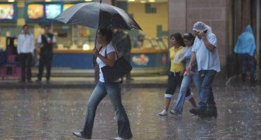 Caen lluvias moderadas y ligeras en 10 delegaciones de la capital