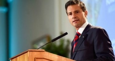 EPN celebra 14 de febrero con mensaje para su esposa