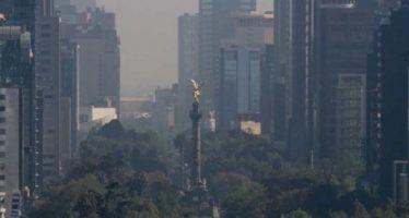 Valle de México con mala calidad del aire y radiación solar alta
